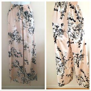 Calvin Klein Pale Peach Floral Pants-Size SP
